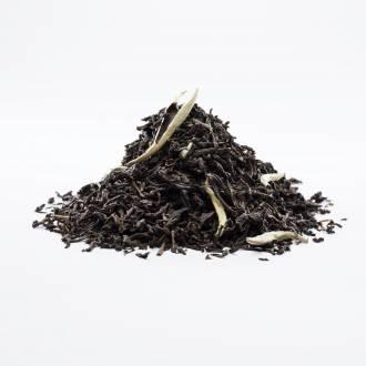 Panyong mit Weiss Tee, Südchina