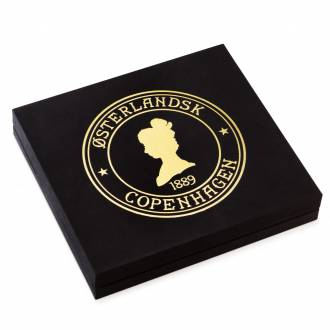 Gift box, 24 tins of loose weight tea.